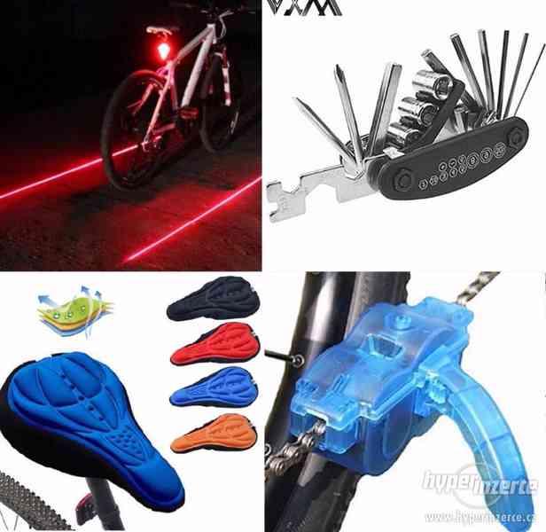 Světlo, sedlo, nářadí 15v1 a čistič řetězu na kolo