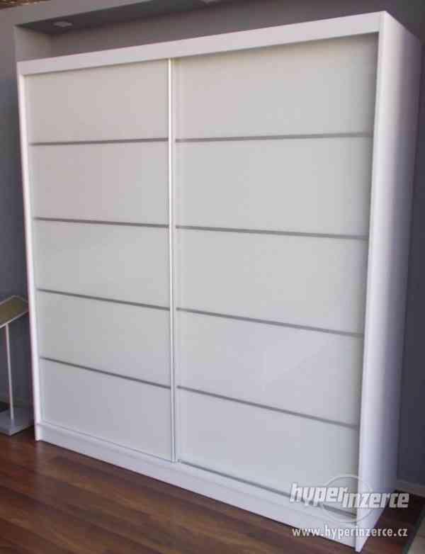Nová šatní skříň bílá