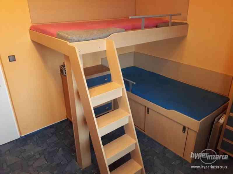Prodám kvalitní patrové postele s ocelovým rámem