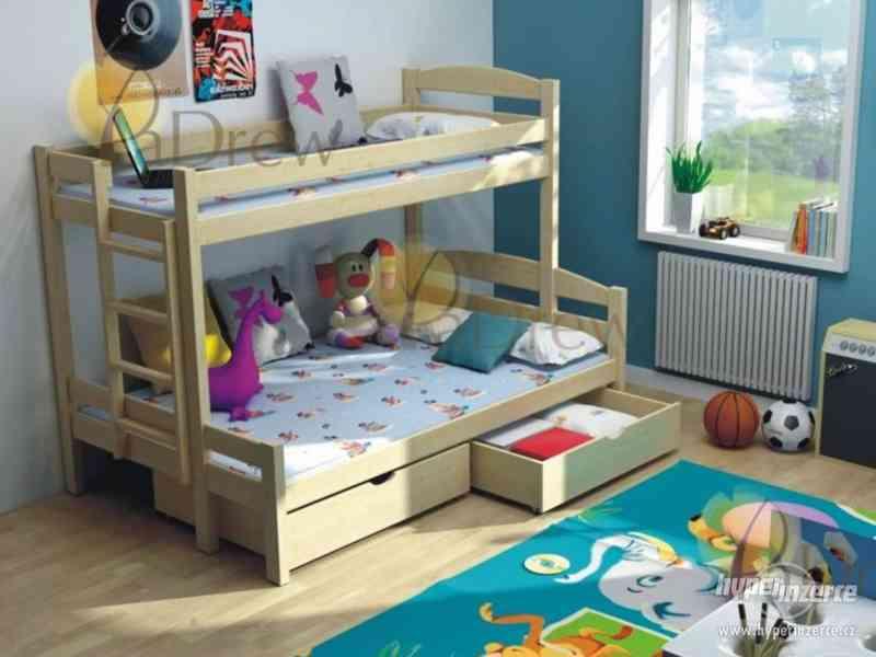 Patrová postel z masívu s rozšířeným lůžkem 120x200 cm