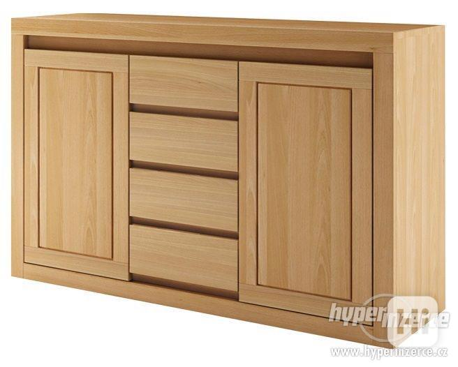 Kvalitní buková masivní dřevěná komoda KD 409
