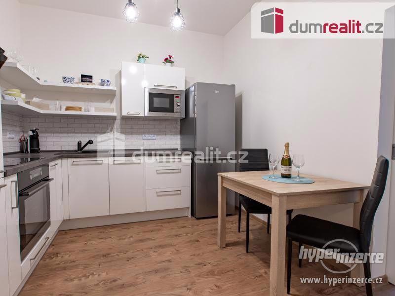 Pronájem bytu 2+1, 47 m2 + Teresa - Praha Žižkov
