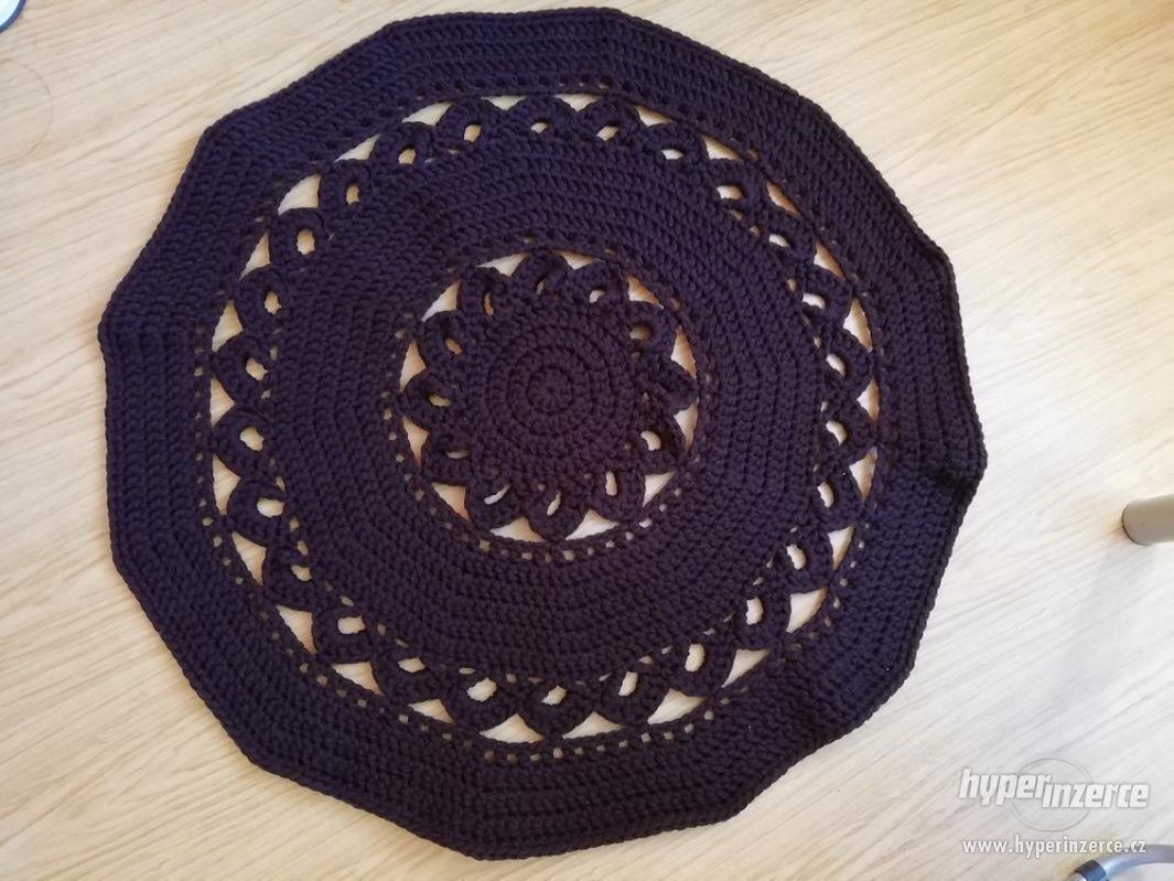 Nové háčkované koberečky - foto 1