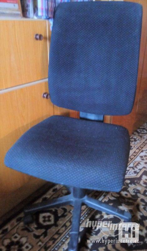 Kancelářské židle 2ks v TEXTU je SLEVA - foto 1