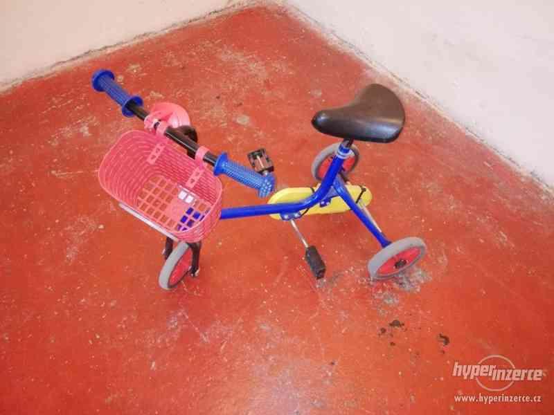 Dětská kovová tříkolka