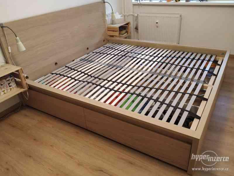 Manželská postel Ikea Malm